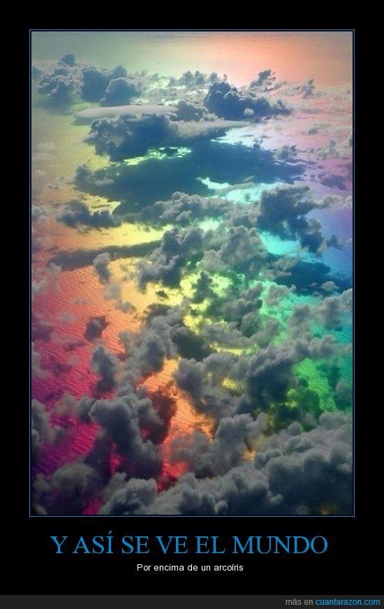 por encima de un arco iris